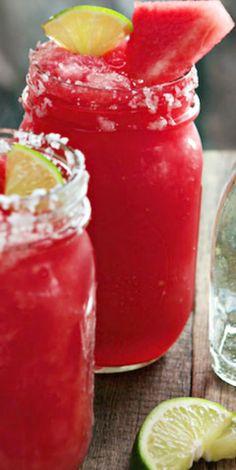 Frozen Watermelon Margaritas Recipe god i miss Margaritas ! Refreshing Drinks, Summer Drinks, Fun Drinks, Beverages, Cocktails, Cocktail Recipes, Frozen Watermelon Margarita, Watermelon Health Benefits, Taquero
