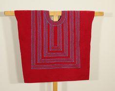 Blusa tehuana: huipil mexicano, estilo Frida Kahlo, cadenilla azul hecho en Tehuantepec, sobre terciopelo rojo con forro de algodón