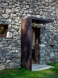 EV+A Lab Atelier d'architettura 22 is part of Facade house - EV+A Lab Atelier d'architettura Photograph by Marcello Mariana Architecture Durable, Detail Architecture, Architecture Renovation, Modern Architecture, Design Exterior, Dream Home Design, Stone Houses, Facade, Entrance