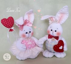 Bunny Crafts, Felt Crafts, Easter Crafts, Fabric Crafts, Diy And Crafts, Felt Ornaments, Christmas Ornaments, Sock Toys, Bunny Face