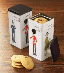 Super cute tin with cookies that is also a music box! From Harrods in London. Cookie Tin, Luxury Food, Biscuit Cake, Music Boxes, Awesome Gifts, London Bridge, Online Gifts, Confectionery, Harrods