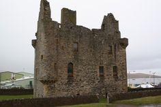 I vesterveg: Scalloway Castle, Shetland Mount Rushmore, Castle, Mountains, Nature, Travel, Naturaleza, Trips, Traveling, Nature Illustration
