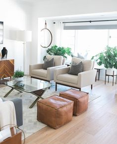 This living room still has me like 😍 It's all about texture, white walls with pops of neutral colors with lots of natural light! Home Living Room, Interior Design Living Room, Living Room Furniture, Living Room Designs, Living Room Decor, Living Room Seating, Formal Living Rooms, Modern Living, Living Room Inspiration
