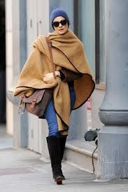 56429a98f Image result for street style poncho Street Style, Fashion Photo, Urban  Taste, Street
