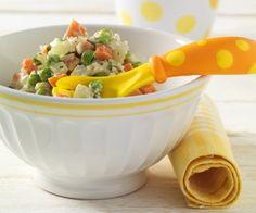 Grünes Gemüse wie Kohlrabi und Erbsen enthalten besonders viel Folsäure. Sie unterstützt den Organismus während der Wachstums- und Entwicklungsphase.