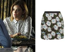 Pretty Little Liars Fashion, Style, Clothing, Outfits and Wardrobe ABC Family Aria Style, Lucy Hale Style, Pretty Little Liars Outfits, Pretty Little Liars Seasons, Fashion Tv, Fashion Outfits, Fashion Ideas, Aria Montgomery Style, Red And Black Shirt