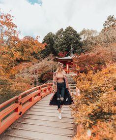 Kimono Love - Barefoot Blonde by Amber Fillerup Clark Japan Ootd, Japan Outfits, Japan Travel Tips, New Travel, Travel Goals, Travel Style, Travel Guide, Autumn Photography, Travel Photography
