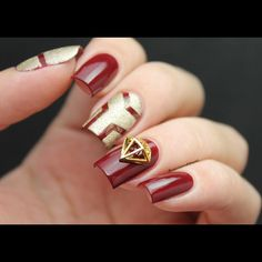 52 nail art ideas for Avengers fans - Accent nails Marvel Nails, Avengers Nails, Glitter Accent Nails, Chevron Nails, Red Nail Designs, Winter Nail Designs, Art Designs, Burgundy Nails, Red Nails