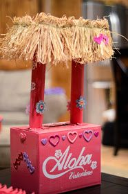 Laura Vanderbeek: Girl Valentine Box - American Girl that is. Valentine Boxes For School, Kinder Valentines, Valentine Day Crafts, Valentine Ideas, Homemade Valentines, Printable Valentine, Valentine Wreath, Valentine Party, Valentinstag Party