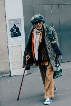 The Best Street Style from the Just-Wrapped Fashion Shows Around the Globe Dope Fashion, Cool Street Fashion, Fashion 2017, Fashion Show, Mens Fashion, Street Style Summer, Autumn Street Style, Street Outfit, Street Wear