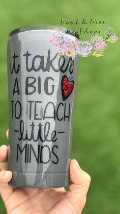 It Takes A Big Heart to Teach Little Minds-Crayon-Pencil Teacher Tumbler It Takes A Big Heart to Teach Little Minds-Crayon-Pencil Teacher Tumbler <br> Diy Tumblers, Custom Tumblers, Glitter Tumblers, Personalized Tumblers, Cute Cups, Fun Cup, Teacher Appreciation Week, Teacher Gifts, Student Teacher