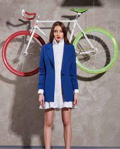 Sacou casual albastru INES creat pornind de la stilul clasic, pentru ca acestea ramane actual si astazi si se va mentine mereu. Avand mereu in vedere sa aducem in fata dumneavoastra piese vestimentare deosebite ramanem orientati pe simpliate. Stilul Clasic, Blazer, Casual, Jackets, Women, Style, Fashion, Down Jackets, Swag