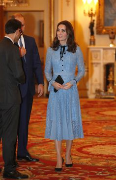 Kate Middleton Photos - Catherine, Duchess of Cambridge supports World Mental Health Day at Buckingham Palace on 10, October 2017 in London, England. - The Duke & Duchess Of Cambridge and Prince Harry Support World Mental Health Day