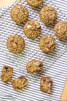 Make this healthy bran muffin recipe with Kellogg's All-Bran cereal. These easy bran muffins make a great choice for breakfast or for a snack! Breakfast Bake, Breakfast Smoothies, Breakfast Recipes, Breakfast Pastries, Breakfast Cereal, Breakfast Ideas, Cereal Recipes, Muffin Recipes, Bran Flakes Recipe