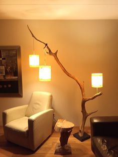 Floor lamp: weathered old Oak branch. Made by GBH NatureArt, for more info? look at my shop: www.etsy.com/people/gbhnatureartnl #RusticLamp #DIYHomeDecorLamp #site:diyprojectss4you.com