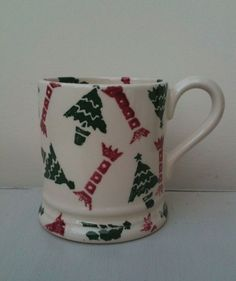 Emma Bridgewater Christmas Tree and Crackers 0.5 Pint Mug Pottery Cafe
