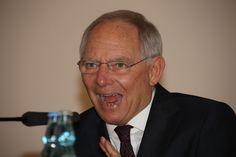 Escritor Luís Sepúlveda exige a Schäuble que «deixe Portugal em Paz!» - Jornal Tornado