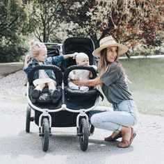 Looks like such a great stroller! Cute Family, Baby Family, Family Goals, Family Photo, Family Life, Fulton Sheen, Future Mom, Foto Baby, Family Pictures