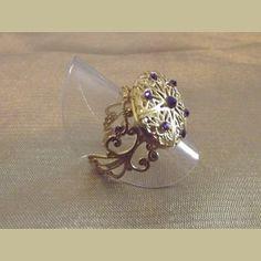 http://aupaysdessenteurs.com/1052-2827-thickbox/bague-diffuseur-de-parfum-cristal-de-swarovski-purple-velvet-or-artisanale.jpg