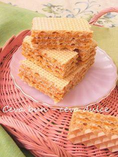 Adela Zilahi: Napolitane cu caramel si alune de padure Vanilla Cake, Caramel, Deserts, Sweets, Bread, Food, Sticky Toffee, Candy, Gummi Candy