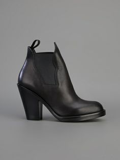 ACNE - Star ankle boot 7 $540