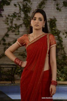 "image by Arshi Sarunholic ( with caption : "" Beautiful Bollywood Actress, Most Beautiful Indian Actress, Indian Beauty Saree, Indian Sarees, Sanaya Irani Wedding, Party Wear Evening Gowns, Arnav Singh Raizada, Arnav And Khushi, Movie Inspired Outfits"