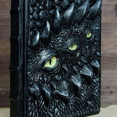 A new dragon book? This one is absolutely different from anything I made before. I like the result of my three-eyed experiment!