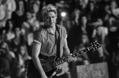 One Direction Heartthrob Niall Horan Shows Off Sleek Glasses at Australian Open Finals