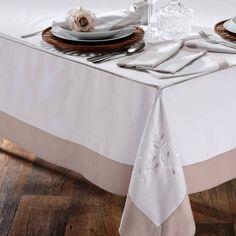 Toalha de Mesa Retangular Bordada Ponto Ajour 1,60 m x 2,70 m Celebrity Branca