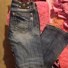 MISS ME Jeans Size 29 Inseam 31 These are super cute never been in dryer! Look like New :) Miss Me Jeans Boot Cut