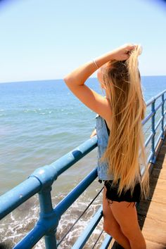 long blonde hair - i want.