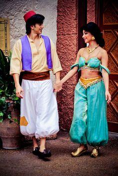 Real jasmine and Aladdin : Disney : movie : true love : my favorite Walt Disney, Disney Couples, Disney Magic, Disney Parks, Disney Pixar, Disney World Fotos, Disney World Pictures, Jasmine Halloween Costume, Couple Halloween Costumes