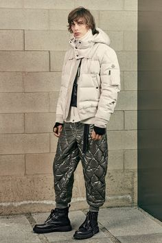 Discover Moncler's fall-winter men's catwalk collection, including its signature puffer jackets, and the model line-up. Princess Caroline, Princess Mary, Winter 2017, Fall Winter, Puffer Jackets, Winter Jackets, Catwalk Collection, Moncler, Gq