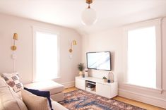 Cozy Den/TV Room Makeover @wagnerspraytech @trimaco #sponsored
