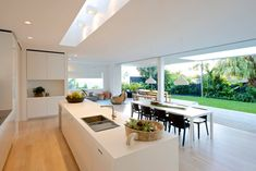 Essence of Byron - Houses for Rent in Byron Bay, New South Wales, Australia Open plan kitchen Open Plan Kitchen Dining Living, Open Plan Kitchen Diner, Open Plan Living, Living Room Kitchen, Open House Plans, Küchen Design, Renting A House, Kitchen Interior, Home Kitchens