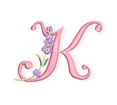 Am heutigen Donnerstag habe ich Euch einen weiteren Buchstaben meiner Lavendelreihe mitgebracht.  Habt Ihr mal versucht, das gesamte Monogramm in einer Farbe zu sticken, in Weiss beispielsweise? Dadurch, dass die Buchstaben und der Lavendel sehr plastisch hervortreten ist die Wirkung erstaunlich.  Probiert es doch einmal aus.  Ansonsten kommen heute Katrin, Karin, Katarina und Klaus zum  ...