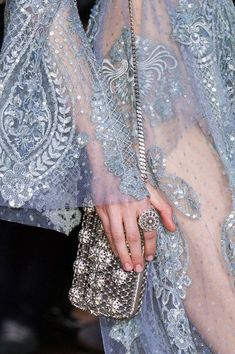 View all the detailed photos of the Elie Saab haute couture spring 2016 showing at Paris fashion week. Read the article to see the full gallery. Haute Couture Style, Couture Mode, Couture Details, Couture Fashion, Runway Fashion, Womens Fashion, Paris Fashion, Fashion Week, Look Fashion