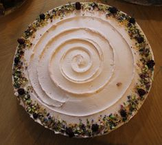 Lovecrumbs, Edinburgh - Rose & pistachio cake <3