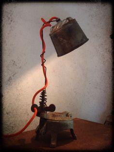 "Lampe ""Presse moi"""
