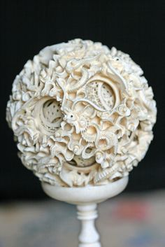 Pics For > National Palace Museum Ivory Ball National Palace Museum, Bone Carving, Ancient China, Sculpture Clay, Objet D'art, Ivoire, Chinese Art, Prehistoric, Japanese Art