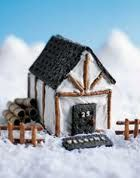 Gingerbread houses and no-bake cookie cottages. Try this Tudor-inspired cottage. Graham Cracker House, Graham Cracker Gingerbread House, Cookie Cottage, Cookie House, Christmas Gingerbread House, Christmas Fun, Gingerbread Houses, Christmas Foods, Gingerbread Cake