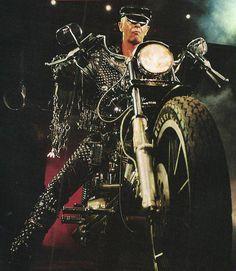 Rob Halford of Judas Priest Heavy Metal Rock, Heavy Metal Music, Heavy Metal Bands, Judas Priest, Rob Halford, Groove Metal, Dad Rocks, Houses Of The Holy, Stone Temple Pilots