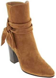Banana Republic women's boots and booties are available in both casual and elegant dressy styles. Choose from a variety of ankle boots & booties made from the most popular materials for a great look. Bootie Boots, Shoe Boots, Ankle Boots, Dress Boots, Women's Boots, 2016 Fashion Trends, Banana Republic Shoes, Latest Shoes, Big Fashion