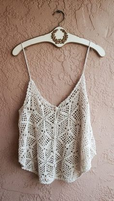 Beach bohemian crochet crop top with buttons and trapeze style cut hippie gypsy… Bohemian Beach, Hippie Boho, Bohemian Style, Boho Chic, Bikini Crochet, Crochet Crop Top, Knit Crochet, White Crochet Top, Cher Horowitz