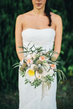 Bride Bouquet PHOTO: Lisa Poggi