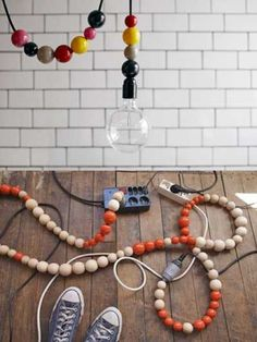 15 originales ideas para ocultar los cables de casa. | Mil Ideas de Decoración