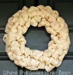 How to Make a Burlap Wreath. A complete, easy-to-folloI MIw tutorial! Make one in under 30 minutes! Burlap Wrapped Wreath, Easy Burlap Wreath, Burlap Wreath Tutorial, Diy Wreath, Wreath Ideas, Wreath Making, Burlap Bows, Burlap Projects, Burlap Crafts