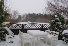 Halager: Strikkede nisser i fritidsgarn Outdoor Furniture Sets, Outdoor Decor, Home Decor, Decoration Home, Room Decor, Interior Decorating