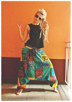 Ain't no Snail Patchwork #hippie #style #aintnosnail #Goahose #festival #psytrance #patchwork #dreadlocks #dreadgirl #hippie #hippiestyle #boho #harempants #germany #deutschland #barefoot