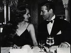 During a two-day break while filming, Clark Gable caused a scandal when he eloped with Carole Lombard. They got married in Kingman, Arizona with a reception of only sandwiches and coffee
